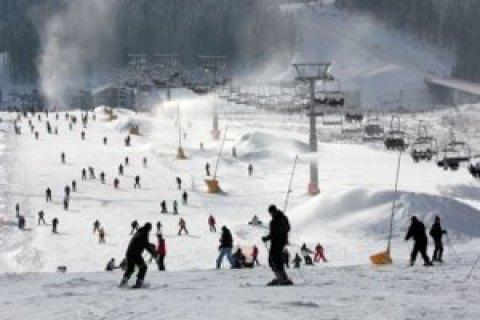 Наподъемнике вКарпатах застряли полсотни туристов