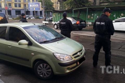 В Киеве сотрудница ГФС задержана при получении 125 тыс. гривен взятки