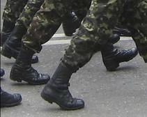 В Днепропетровске офицер избивал солдатов саперной лопатой