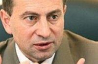Ющенко улетел в Туркменистан с чиновниками и музыкантами