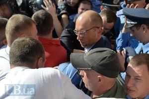 Яценюк обвинил Клюева в организации блокирования Киевсовета