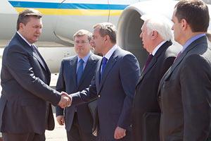 Янукович и Клюев прилетели в Днепропетровск