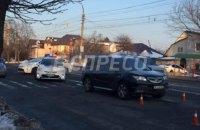В Киеве внедорожник сбил трех школьниц на переходе