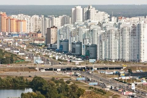 ВКиеве умер мужчина, перебегавший 8-полосный проспект