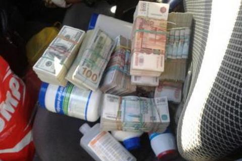 НаКПВВ «Зайцево» схвачен мужчина, перевозивший крупную сумму денежных средств