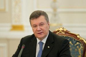 Янукович не увязывает газовые переговоры с участием Украины в ТС