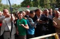 Добкин спел караоке с министром культуры