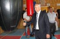 Мэр Донецка показал боксерские способности