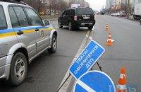 Двое нетрезвых мужчин попали под колеса внедорожника на Харьковском шоссе в Киеве
