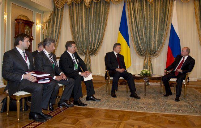 В этот момент Россия потребовала от Украины ратифицировать соглашения о ЗСТ с СНГ