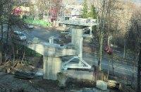 Рядом с вертолетной площадкой Януковича начали новое строительство