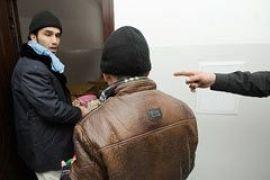 Азаров помог беженцам