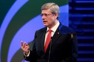 Премьер Канады резко раскритиковал Януковича