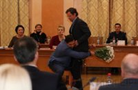 На сессии Одесского горсовета Палпатин унес Боровика из зала на руках