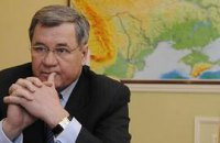 Янукович отправил Яцубу в Крым