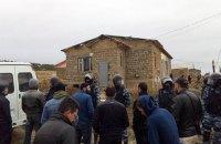 ФСБ проводит массовые обыски в домах крымских татар