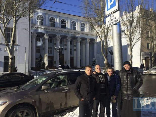 Одна з поїздок на схід. Донецьк. Отець Іван (справа)