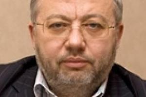 Савченко заявляет, что Кабмин давит на Нацбанк