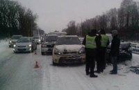 14 машин попали в ДТП на трассе Киев - Чоп