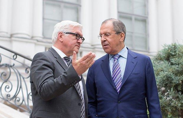 Штайнмайер(слева) и Сергей Лавров, министр иностранных дел России