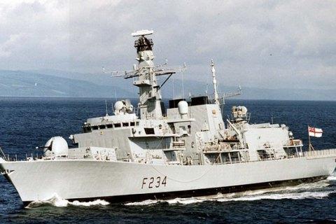 Великобритания отправляет пять военных кораблей в Балтийское море