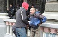 Участники митинга под НБУ признались наблюдателям ОБСЕ, что они стоят за деньги