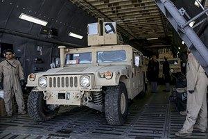 В Украину прилетел самолет с американскими внедорожниками Humvee (обновлено)