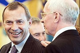 Азаров приставил Клюева следить за нацпроектами