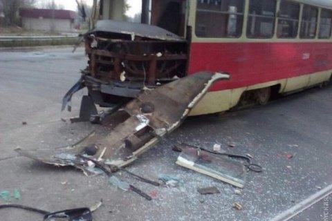 Фура протаранила трамвай вСуворовском районе Одессы