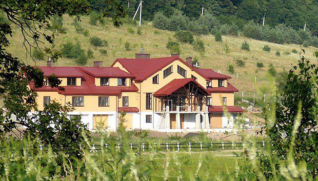 Мисливський будинок братів Дубневичів. Більший ніж у Януковича