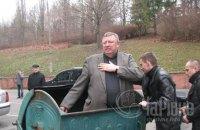 В Ровно бросили в мусорный бак экс-депутата Рады