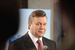 Янукович передумал праздновать вместе с милиционерами