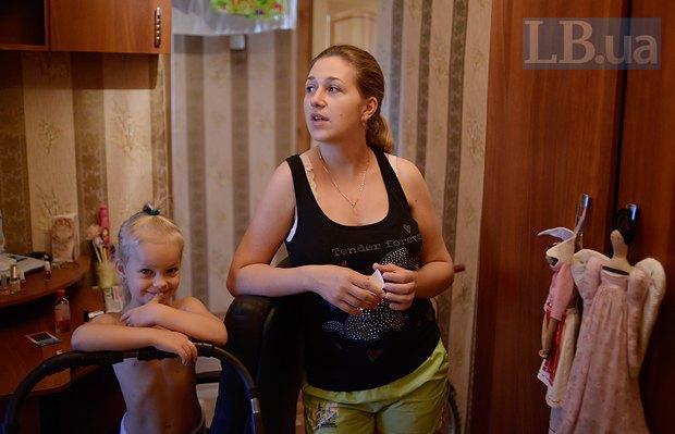 Настя и ее мама Елена Гроза