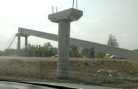 На трасі Київ-Чоп завалився міст