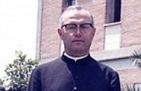 Порошенко попросил Ватикан о беатификации Степана Чмиля