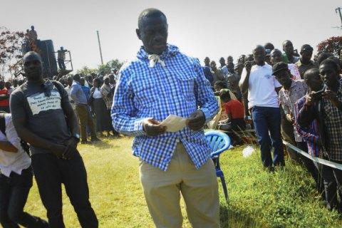 В Уганде оппозиционного кандидата в президенты задержали в третий раз за неделю