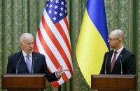 Пять причин, почему Яценюк останется премьером