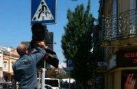 К приезду Януковича в Мукачево вымыли светофоры