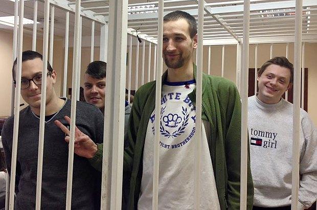 Александр Полугорбатов - крайний слева