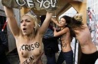 Давос: FEMEN переплюнул Януковича