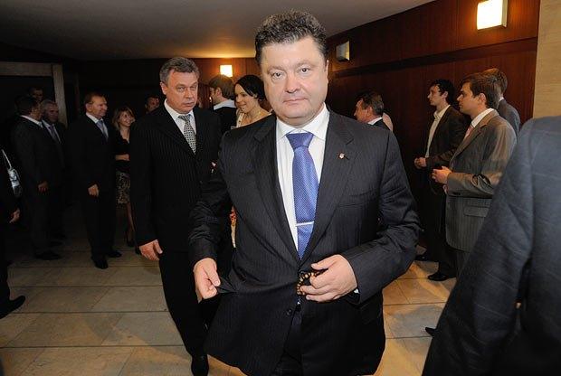 Александр Омельченко считает, что Петр Порошенко - один из политиков, который может составить конкуренцию Александру Попову на выборах мэра Киева