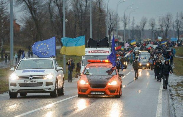 Автомайдановцы по дороге в Межигорье