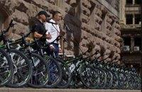 Київ подарував патрульній поліції 100 велосипедів