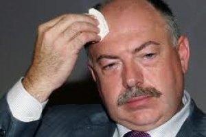 Экс-генпрокурор Пискун эмигрировал за границу