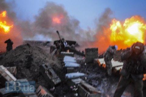 Військовий загинув, троє поранені в п'ятницю на Донбасі