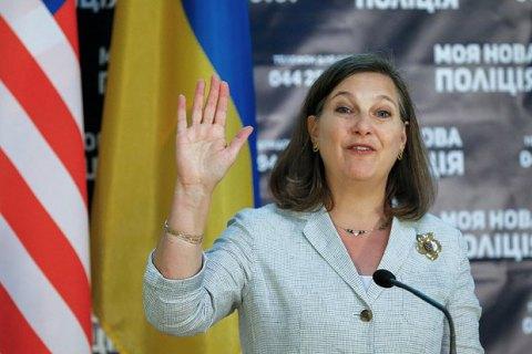 Нуланд заверила Порошенко в поддержке Украины со стороны США