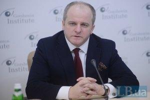 Заявления власти, что она не контролирует силовиков, напоминают белорусский сценарий, - Коваль