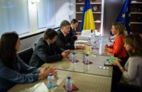 Порошенко обсудил с Могерини ситуацию на Донбассе