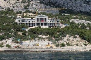 В Крыму открыли доступ к строительству на мысе Айя. Территория опустела