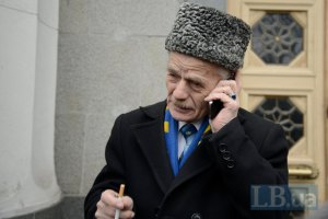 Джемилев вылетел в Москву на встречу с экс-президентом Татарстана